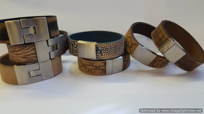 Different types of bracelet clasps to use on homemade jewelry
