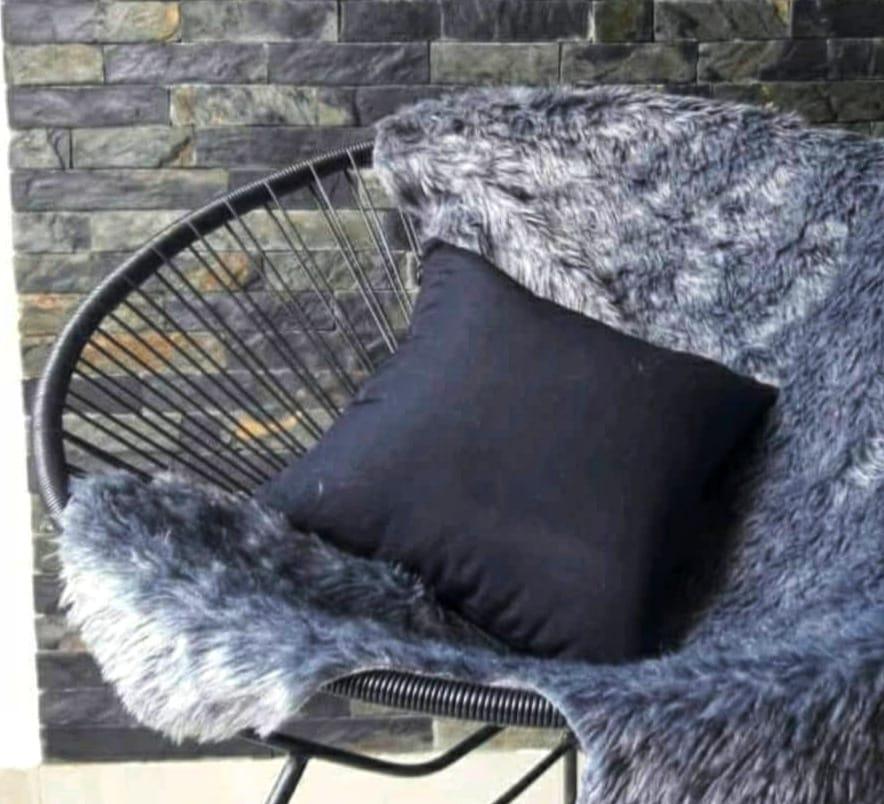 Wie man flache Lederbänder an Möbeln verwendet kann