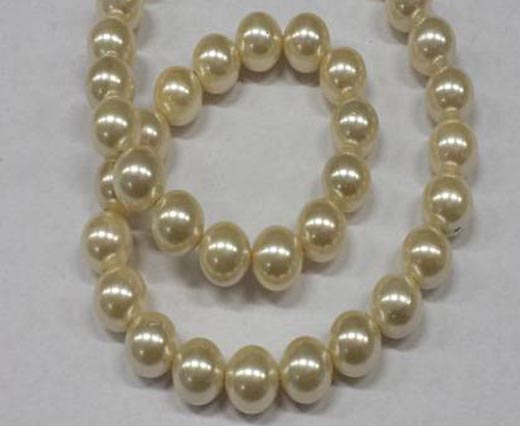 Pearls in round shape