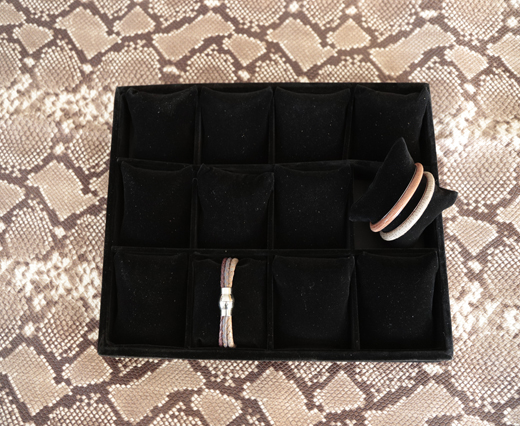 BRACELET CASE BLACK -1