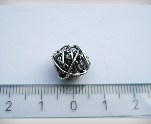 Buy Antique Small Sized Beads SE-1843 at wholesale prices