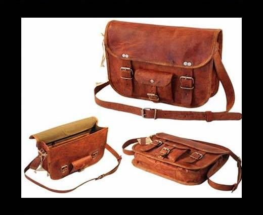 CURVE  WRITTERS DAY BAG WITH SMALL POCKET ON FRONT - Large