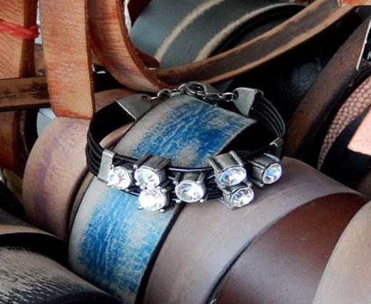 LeatherBracelet08 - Black with diamonds