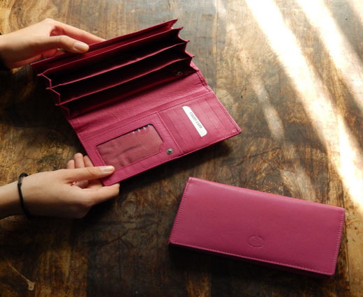 LeatherWallet54 - Barbie Wallet -  Pink