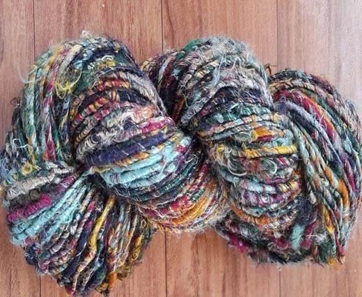 Rough-Silk-Mix Color Banana Yarns